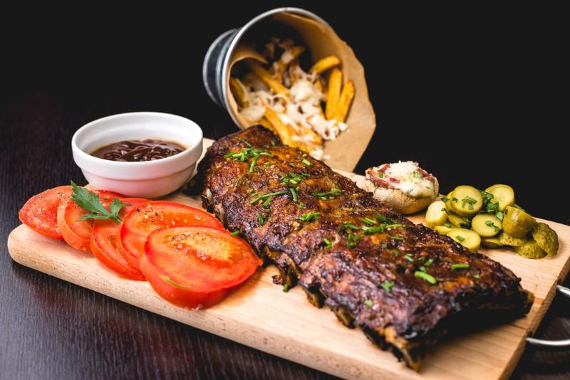 Najlepšie mäso na grilované rebierka? Sú základ úspechu!